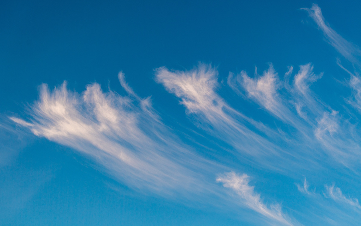 fine, transparent veil clouds of ice crystals float at altitudes between 6 and 15 kilometres
